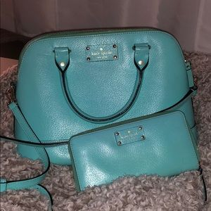 Includes purse, wallet and Kate spade delivery bag